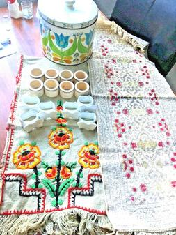 Vintage Kitchen Lot 2 Table Runners 14 Napkin Rings 1 Canist